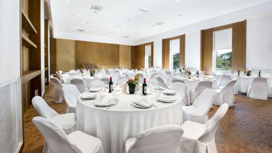 Peamaja saal koos kohvikuga |Konverentsiruumid |Hestia Hotel Laulasmaa Spa